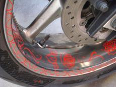 наклейки на обода колес