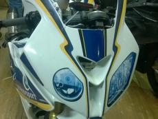 наклейки фары на спортивный пластик мотоцикла bmw 1000 rr